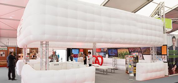m6-cloud-location-tente-mobilier-decoration-geneve