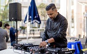 SE-DJ